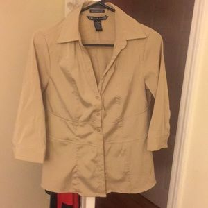 Griege beige tan colored stretch button up